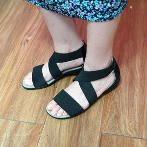 Life Stride Shoes - Life Stride Tellie Strappy Flat Sandals
